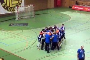 Hádzanári Šale sa v nedeľu večer na palubovke St. Gallenu tešili z postupu do štvrťfinále Vyzývacieho pohára.