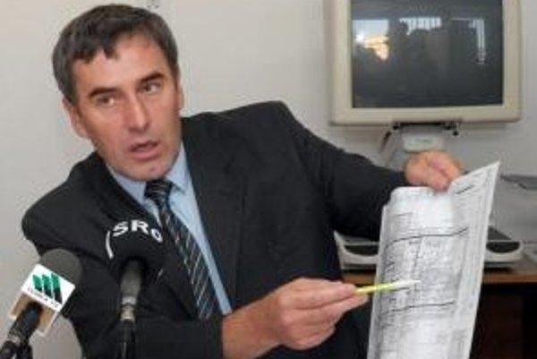 Jozef Kislík potvrdil, že ide o skartovaný papier pochádzajúci z ich spoločnosti, odhadom za posledné tri mesiace. Akékoľvek narážky, že sa chcel zbaviť kompromitujúcich materiálov, však odmieta.