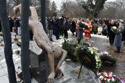 Pamätník obetiam leteckej katastrofy, pri ktorej zahynulo 42 ľudí.