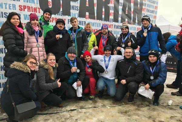 Michalovská skupina po absolvovaní Spartan Race.
