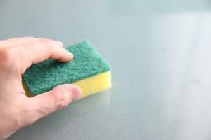 1. Špongia na umývanie riadu. Na gram špongie pripadá v priemere 321 626 869 mikroorganizmov.