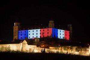 Bratislavský hrad vo francúzskych farbách.