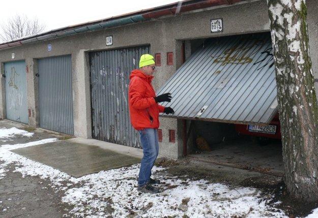 Ján Tomašovský má garáž v nájme už osem rokov.