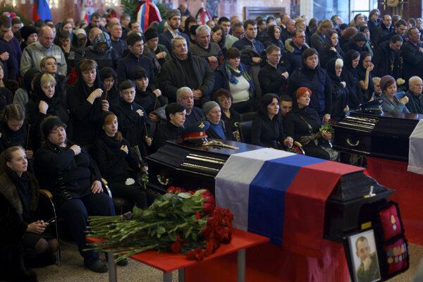 Pohreb obetí nešťastia.
