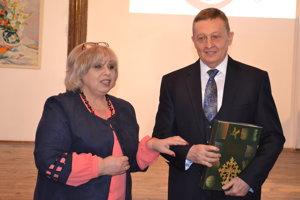 Jaroslava Tkačuk aVasil Fedič. Múzea si navzájom dopĺňajú zbierkové fondy.
