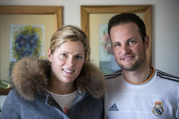 Veronika Velez-Zuzulová s manželom Romainom.