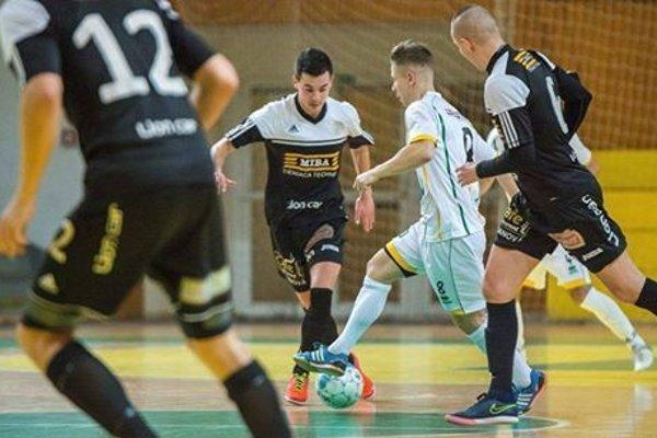 Bystrickí futsalisti v zápase herne dominovali.