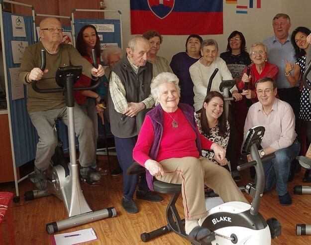 V domove seniorov zavládol nádherný športový ošiaľ.