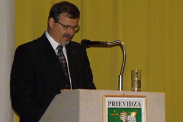 Handlovský primátor vystúpil pred prievidzskými poslancami.