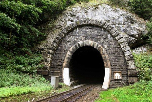Portál tunela od Harmanca.