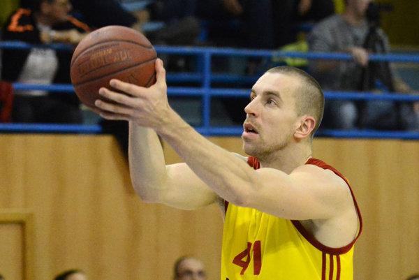 Michal Baťka. Košický kapitán pomohol tímu 14 bodmi.