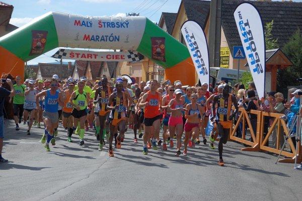 Malý štrbský maratón. Patrí medzi najpopulárnejšie podujatia.