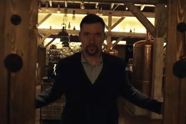 Richard Takáč. Snímka je z inkriminovaného videa.