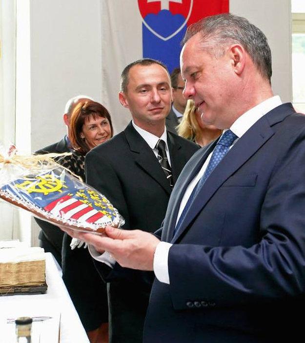 Erb Kremnice ako medovník. Dar pre prezidenta Kisku.