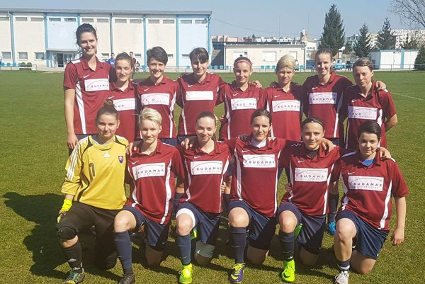 Ženský futbalový tím spod Urpína.