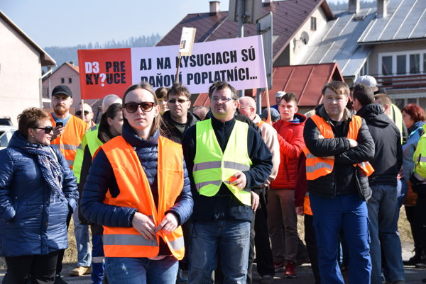 Kysučania dnes opäť zablokujú hlavný cestný ťah I/11. Tentokrát v Budatínskej Lehote.