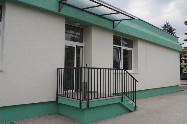 Zmodernizovaná prevádzková budova pre autobusárov FOTO: mesto Senica