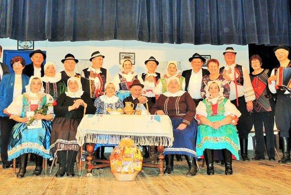 Divadlo JDS Páva (FOTO: obec Hlboké)