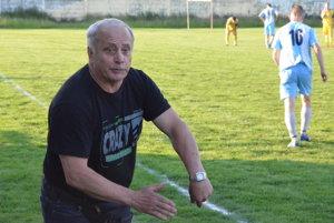 Prvá jarná výhra. Tréner Prakoviec Jozef Zmij proti Smižanom získal prvé jarné tri body na domácom trávniku.