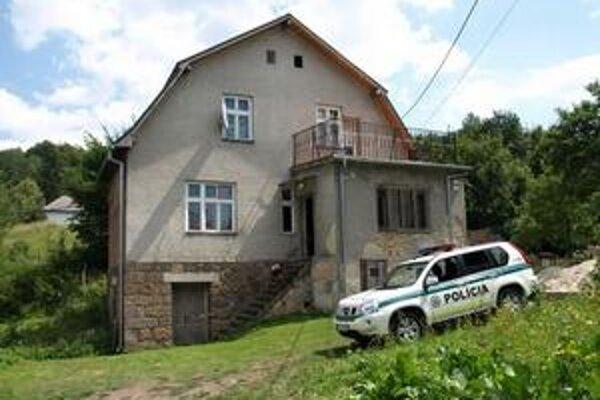 V tomto dome kukláči hľadaného muža zastrelili.
