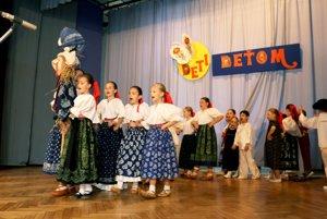 Mala Lubená počas vystúpenia na podujatí Deti deťom v Tužine