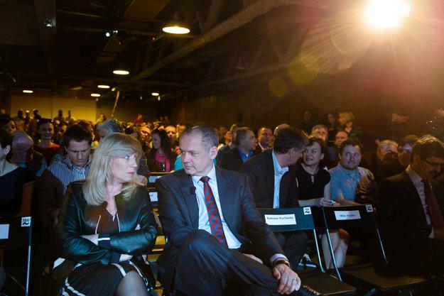 Bývalá premiérka a neúspešná prezidentská kandidátka Iveta Radičová a kandidát Andrej Kiska v druhej prezidentskej debate denníka SME a týždenníka TREND.