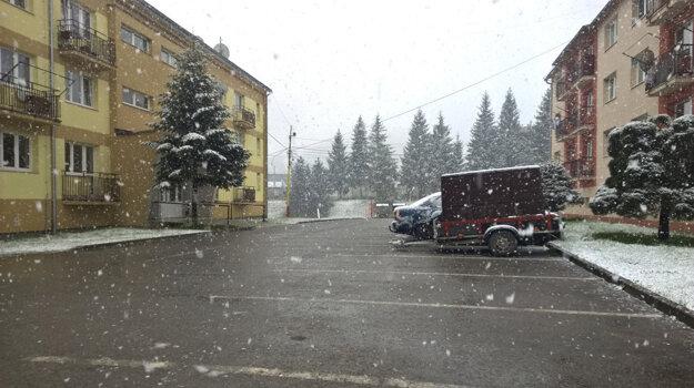 Sneženie v Slavošovciach.