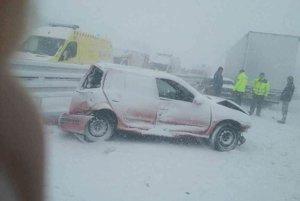 Po hromadnej nehode na diaľnici.
