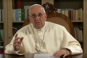 Pápež František pri svojom prejave.