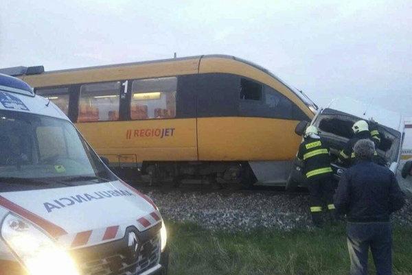 Aj v apríli 2017 sa na trati zrazil vlak s dodávkou.