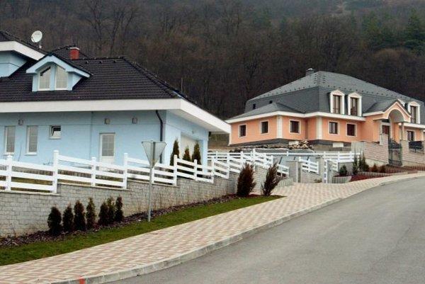 Budča sa pred pár rokmi rozrástla o nové domy.