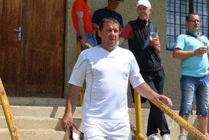 Z béčka do áčka. Štefan Červený po zmenách vA– mužstve Veľkého Folkmara zachraňuje štvrtoligovú súťaž srezervou.
