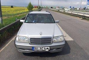 Podvodníci sa vozia na starších luxusných autách so zahraničnými značkami.