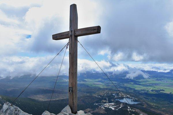Kríž na vrchole.
