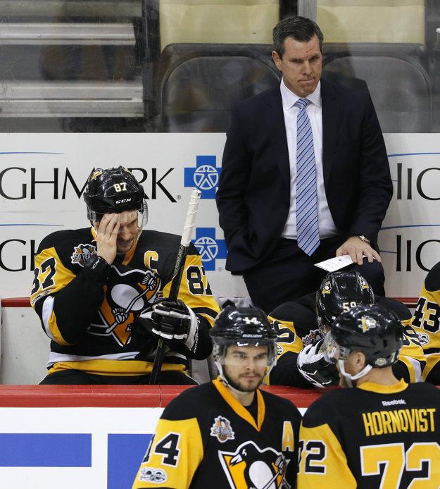 Pittsburgh výhodu domáceho prostredia nevyužil. Že to bola veľká šanca spečatiť postup, si uvedomujú aj tréner Mike Sullivan či kapitán Sidney Crosby.