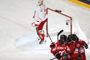 Švajčiari po prvej tretine vedú nad Bieloruskom.