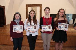Víťazky tretej kategórie. Zľava Lenka Barátová, Alžbeta Gajarská, Jana Barnišinová a Viktória Švigárová.