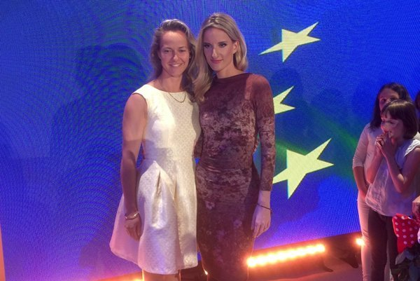 Levická učiteľka s moderátorkou Adelou Banášovou.