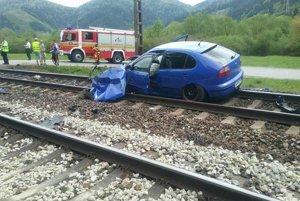 Nehoda odstavila na úseku vlakovú dopravu.