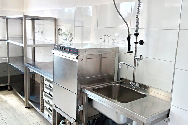 Vynovená kuchyňa.