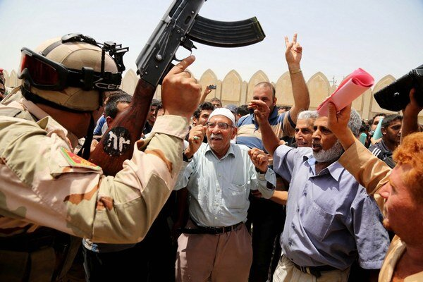Iracká armáda verbuje dobrovoľníkov na boj proti extrémistom.
