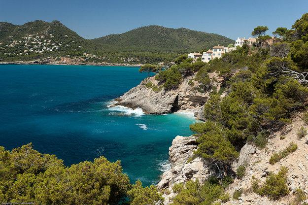 Pobrežie Malorky ponúka nádherné pohľady na pôsobivú krajinu.