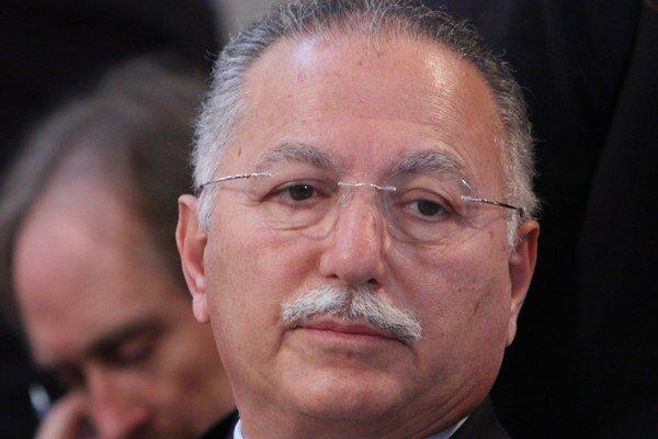 Ekmeleddin Ihsanoglu.