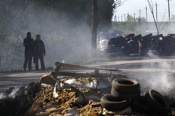 Ukrajinská vláda chce získať kontrolu nad separatistami.