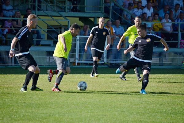 TOP šláger v Lehote pod Vtáčnikom vyhrali domáci jasne 5:0.