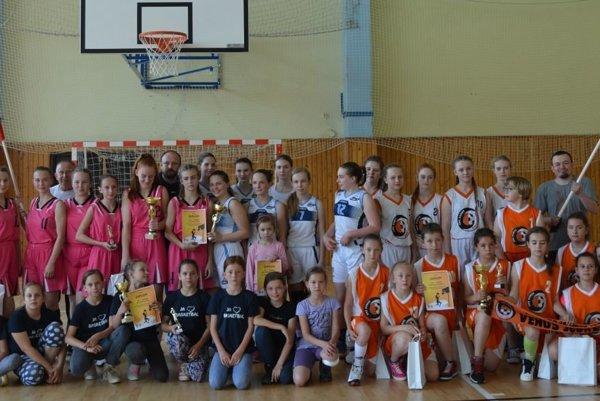 Spoločná fotka všetkých účastníkov.
