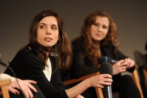 Nadežda Tolokonnikovová (vľavo) a Marija Aľochinová (vpravo) v Nemecku.