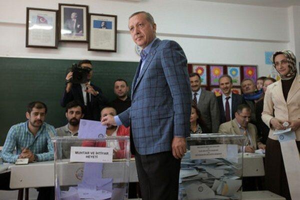 Turecký premiér počas komunálnych volieb.