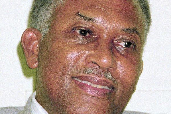 Arthur Robinson doma prežil puč a v zahraničí presadil medzinárodný súd.