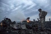 Zostrelené holandské lietadlo nad Ukrajinou. Takmer 300 ľudí sa stalo obeťami vojenského konfliktu v tejto oblasti.